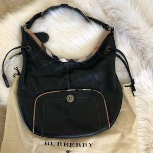 Burberry leather shoulder bag 🎀